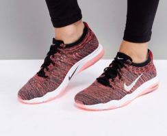 http://www.asos.fr/nike/nike-training-air-zoom-fearless-flyknit-baskets-noir/prd/7807053?clr=noir&SearchQuery=&cid=26091&gridcolumn=3&gridrow=10&gridsize=4&pge=1&pgesize=72&totalstyles=72