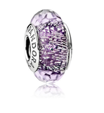 http://fr.pandora.net/fr/charms/charm-murano-scintillant-violet-fonce/791663.html?cgid=b63f6bdc-9aef-45ba-88f0-a0c9008e2595&src=categorySearch#src=categorySearch&postion=top&start=170&cgid=b63f6bdc-9aef-45ba-88f0-a0c9008e2595